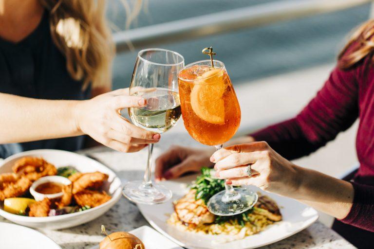Waterfront Dining, Photo Credit: Matt Ray Photography